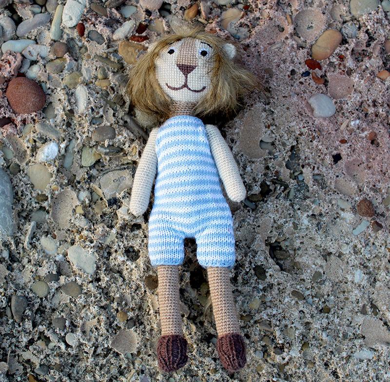 львенок бонифаций, львенок вязаная игрушка