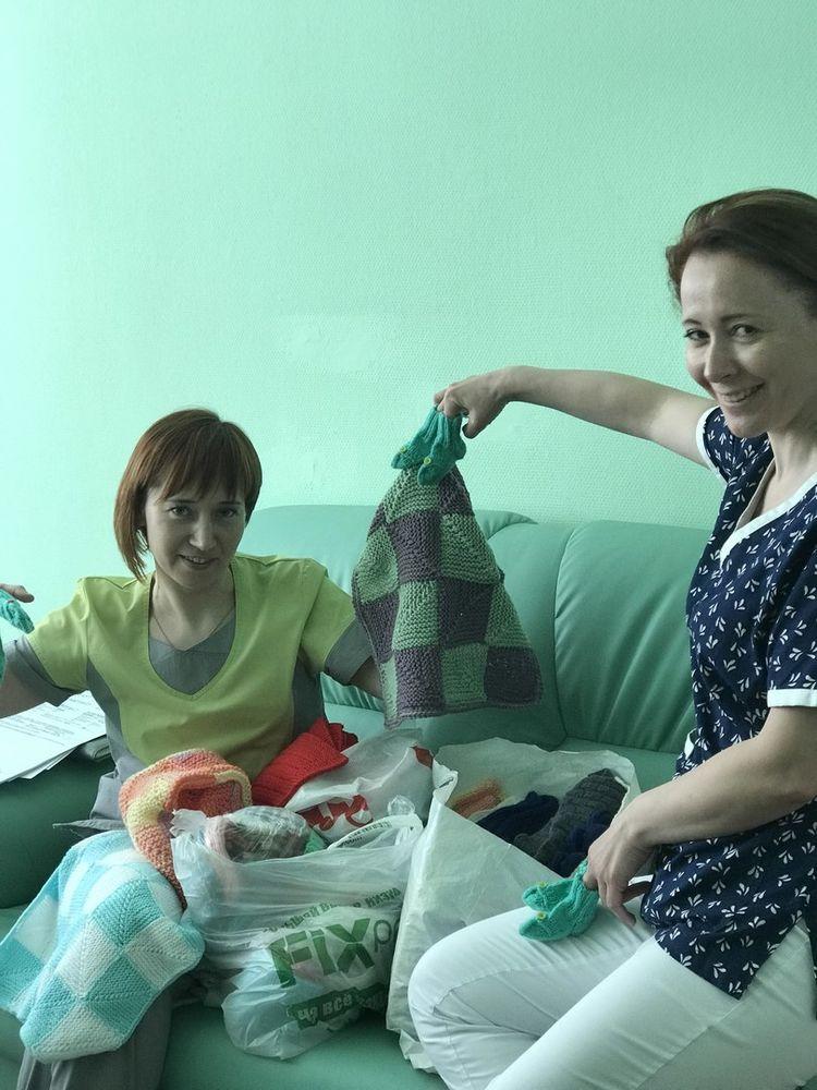 уютка, вязаные вещи, вязаная одежда, помощь детям