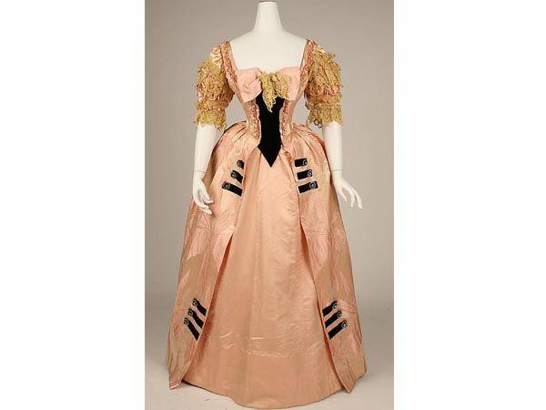 история женского платья