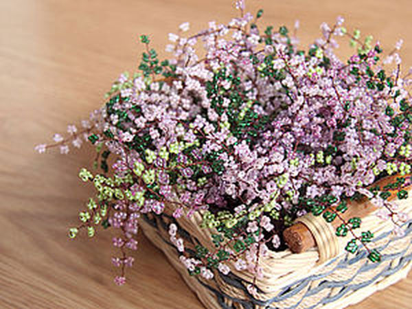 Embroidering a Basket of Heather with Seed Beads   Livemaster - handmade