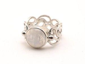 Серебряное кольцо с лунным камнем Серебряный ажур  (видео). Ярмарка Мастеров - ручная работа, handmade.