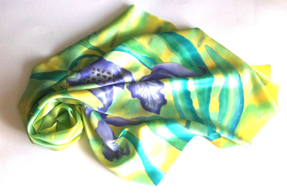 акция магазина, батик платок, платок в подарок