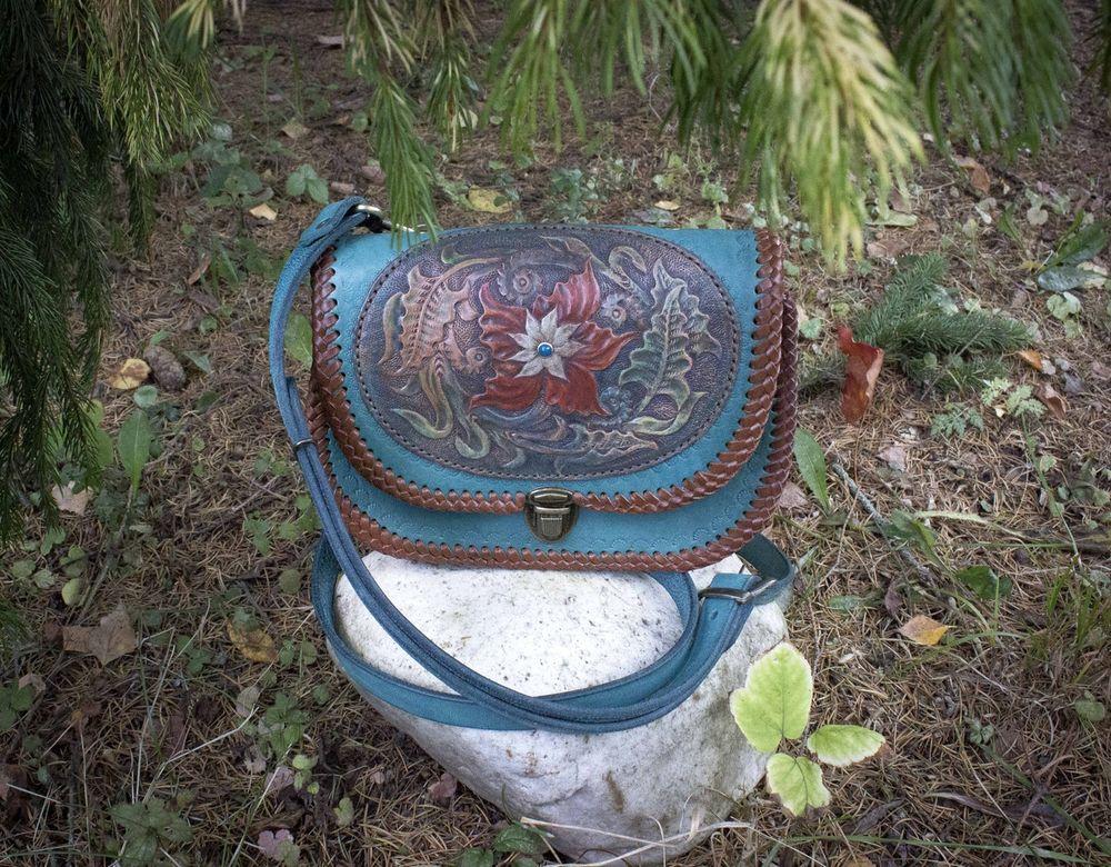 сказка, сумка из кожи, сумка через плечо, сумка с цветами, фиолетовая сумка, фиолетовый, натуральная кожа, тайна, изделия из кожи, ручная работа купить