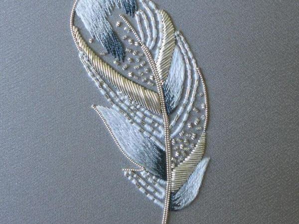 Подборка перьев, вышитых в люневильской технике | Ярмарка Мастеров - ручная работа, handmade