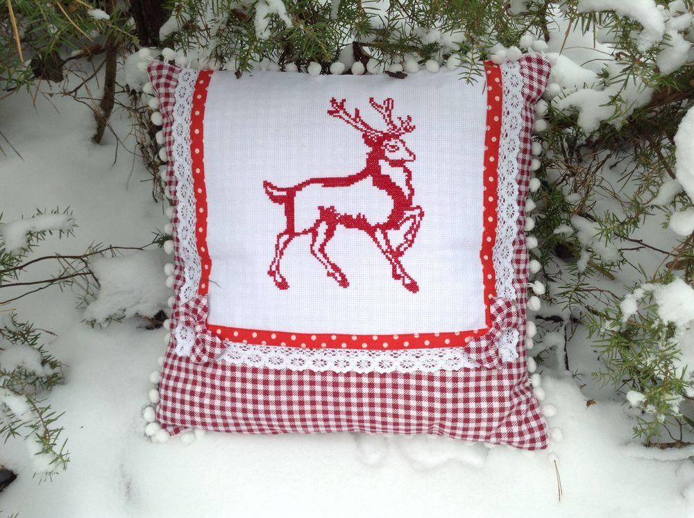 подушка в подарок, подушка с вышивкой, купить подушку