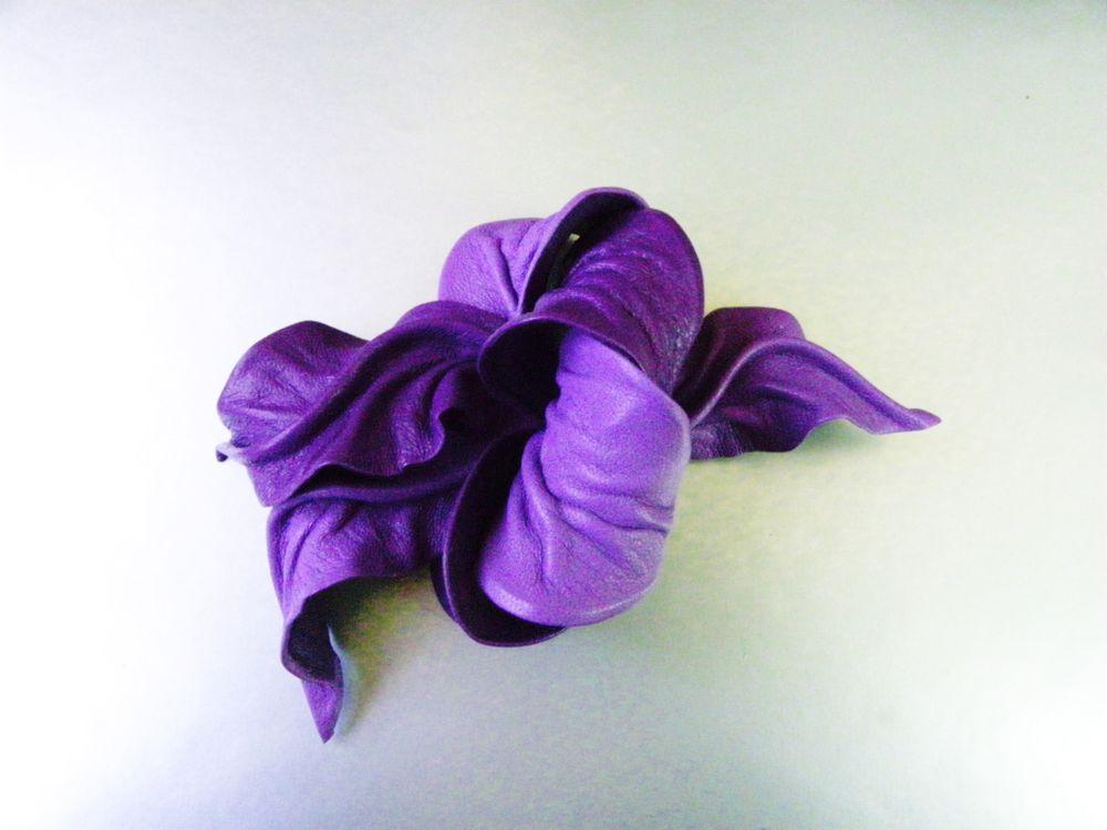 новинки, цветок фиолетовый, брошь купить