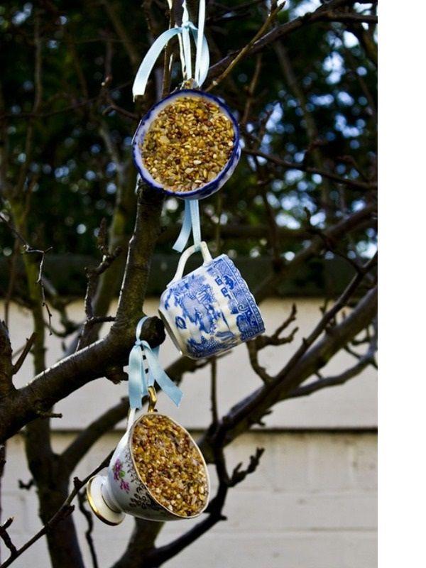 Фото кормушек для птиц своими руками из различных материалов