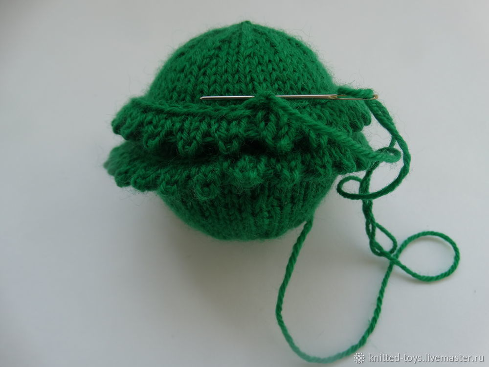 вязаный елочный шар