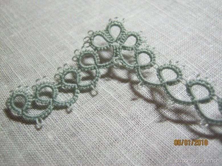 Making Handkerchiefs with Tatting Lace, фото № 17