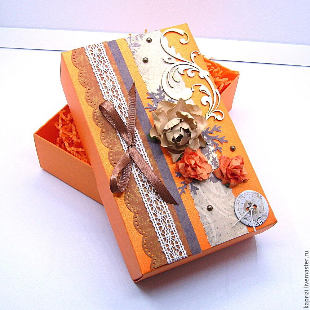 Открытка с подарочными коробками