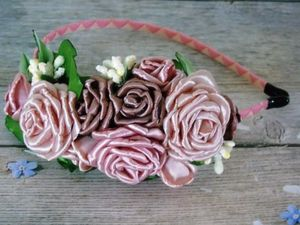 Ободок с розами в технике канзаши. Ярмарка Мастеров - ручная работа, handmade.