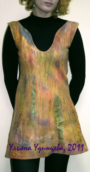 Шелк для платья окрашен вручную