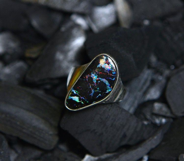 кольцо с опалом, австралийский опал, опал в золоте, натуральный опал