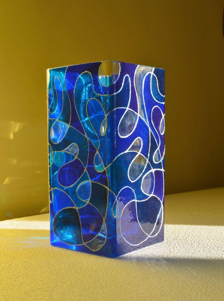 синяя ваза, роспись по стеклу, голубая ваза, амурские волны, анастасия журавлева, синие волны, квадратная ваза