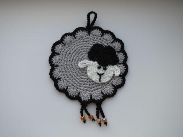 Вяжем симпатичную прихватку-овечку с ножками | Ярмарка Мастеров - ручная работа, handmade