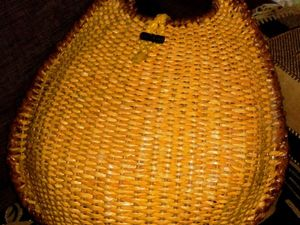 Плетём сумку из бумажных трубочек на каркасе из проволоки. Ярмарка Мастеров - ручная работа, handmade.