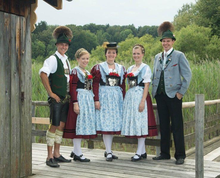 картинка немцы в национальных костюмах снимаем