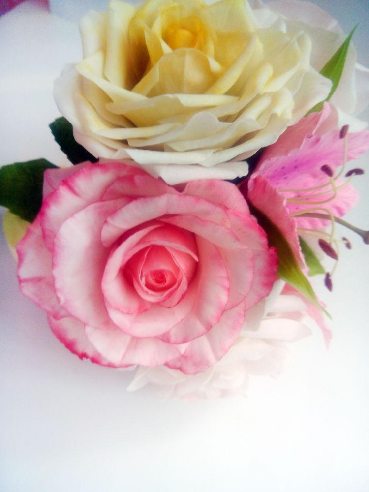 жених, свадебные украшения, цветы из полимерной глины