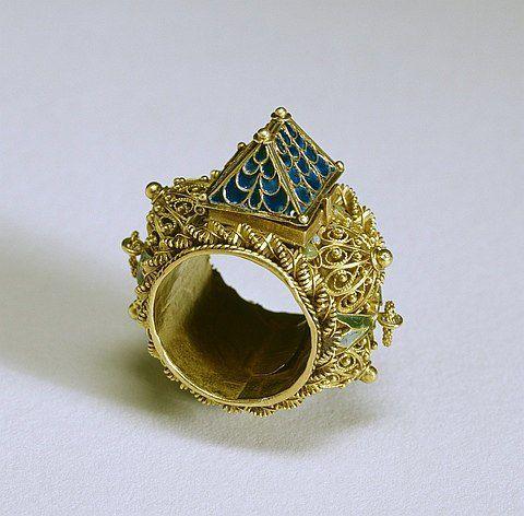 кольцо-дом