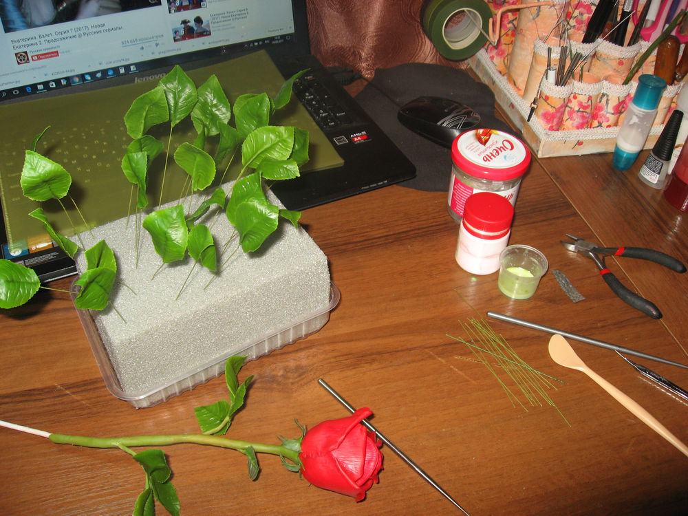 розы из холодногофарфора