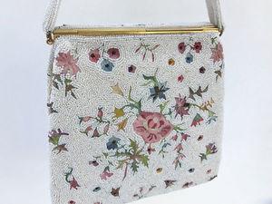 старинная сумочка из Франции, расшитая бисером и украшенная цветочной вышивкой Point de Beauvais. Ярмарка Мастеров - ручная работа, handmade.